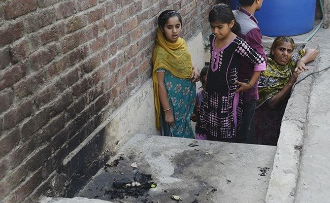 Pakistan Census: A Third Sex, Nine Languages, Many Faiths