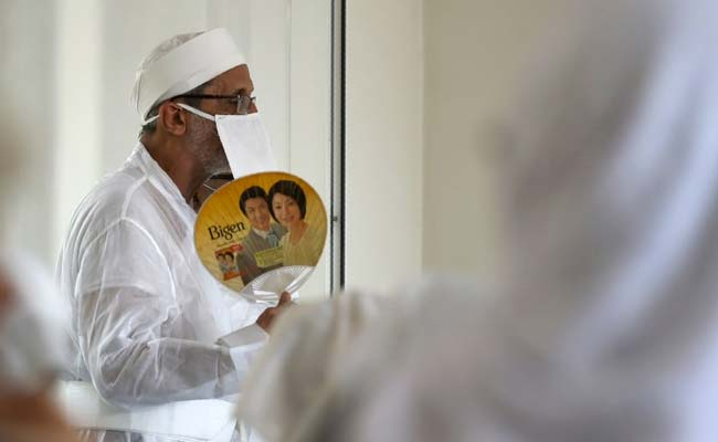 With Vultures Gone, Mumbai's Parsis Turn To Cremations