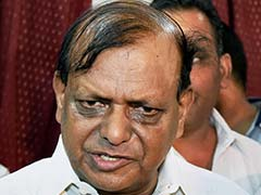 After Swami Prasad Maurya, Senior Leader RK Chaudhary Quits BSP