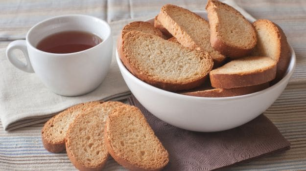 5 Best Rusk Options To Pair With A Hot Cup Of Tea