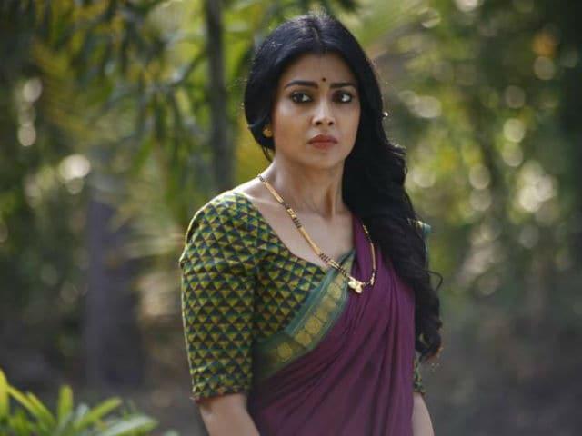 Shriya Saran to Star in Balakrishna's Gauthamiputra Satakarni