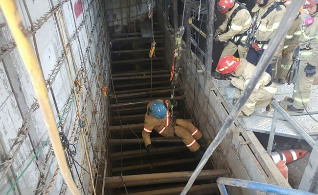 4 Killed In South Korea Subway Site Collapse