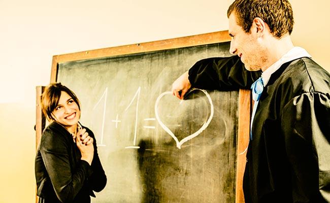 Professor Seeks Ban On Teacher-Student Romance In Chinese Universities
