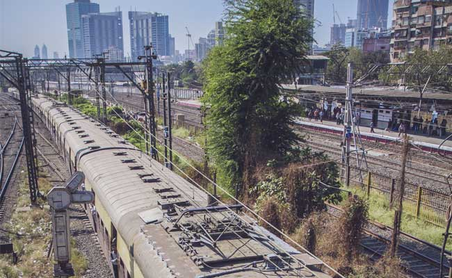 Woman Caught Stealing Toilet Seats, Wash Basins From Train