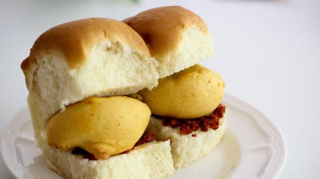 Indian Cooking Tips: How To Make Authentic Mumbai-Style Vada Pav (Recipe Video Inside)
