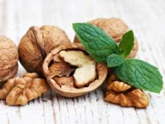 Eating Omega-6 Rich Foods Like Walnuts and Soybean May Reduce the Risk of Diabetes: Study