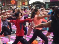 अंतरराष्ट्रीय योग दिवस पर योग में डूबा न्यूयार्क का टाइम्स स्क्वायर: किया गर्मियों का स्वागत