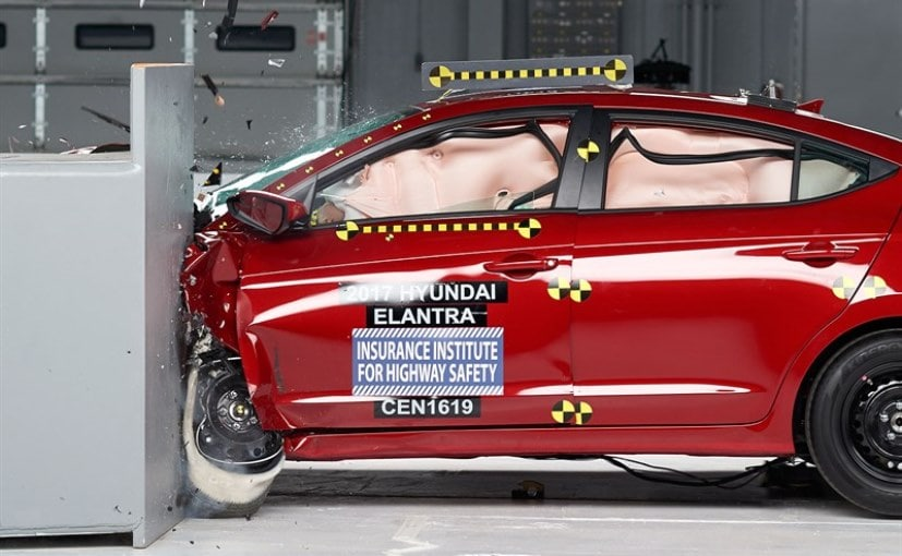 Elantra Interior 2017 >> 2017 Hyundai Elantra Scores Maximum Safety Rating From ...