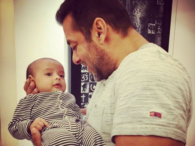 Salman Khan and Ahil in One Frame. What's Left to Say?