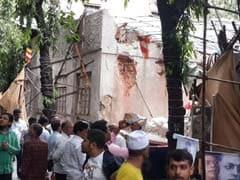 मुंबई : अंबेडकर भवन गिराने के खिलाफ विरोध प्रदर्शन में जुटे हजारों लोग