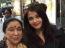 Asha Bhosle Met Aishwarya Rai Bachchan in New York. See This <I>Sona</i> Pic