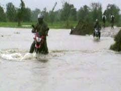 असम, बंगाल, उत्तराखंड भीषण बाढ़, देखें वहां के हालात को बयां करती तस्वीरें