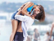 Ranveer Singh, Vaani Kapoor Can't 'Stop Kissing' in New <I>Befikre</i> Poster