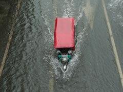 Heavy Rain Disrupts Trains, Flights In China's Beijing