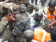 दार्जिलिंग में इमारत गिरी, मलबे में दबकर 7 लोगों की मौत