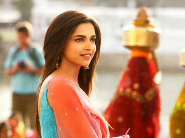 Deepika Smiles: Pics That'll Make You Watch Yeh Jawaani Hai Deewani Again
