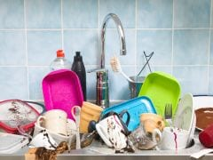 यह क्य़ा! आपके बाथरूम से कहीं ज़्यादा गंदे हैं आपकी किचन के सिंक...