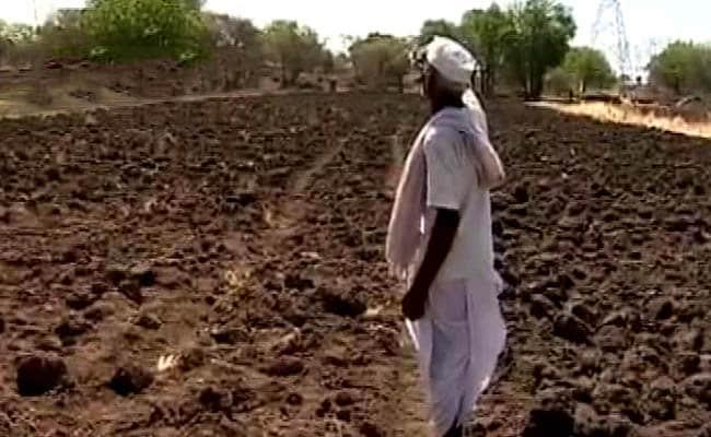 प्राइम टाइम इंट्रो : किसानों की कर्ज़ माफ़ी आर्थिक तौर पर कितनी भारी?