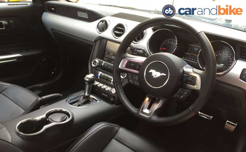 Ford Mustangs Cabin