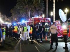 #NiceAttack : आंसुओं में डूबा फ्रांस, नेशनल-डे का जश्न मना रहे लोगों पर आतंकी हमला, 84 मरे