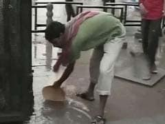 In A Flooded Gurgaon, An Auto Driver Helped Out. Here's How.