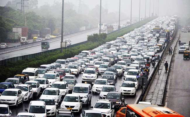 Some Respite For Delhi, Gurgaon - Moderate Rainfall Till ...