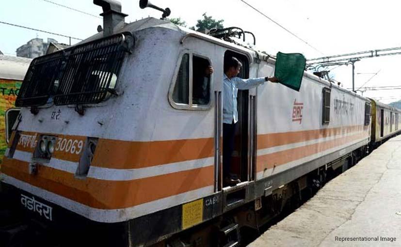 Sarkari Naukri 2019: रेलवे में 1 लाख 31 हजार पदों पर जल्द होगी भर्ती, जानिए कब जारी होगा नोटिफिकेशन
