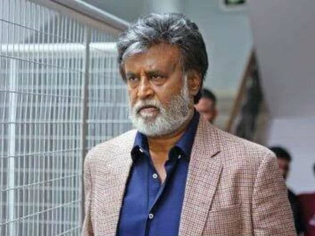 In Singapore, Rajinikanth Fans Performed Aarti as Kabali Released