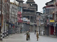 Curfew Lifted From 4 Districts In Kashmir, Few Incidents Of Stone Pelting