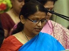 मोदी सरकार की मंत्री बोलीं, यूपी चुनाव में सपा-कांग्रेस एक दूसरे की बैसाखी
