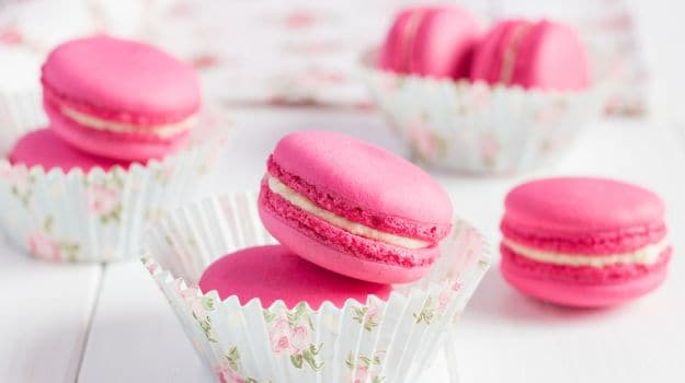 Macaron Versus Macaroon: What's the Difference?