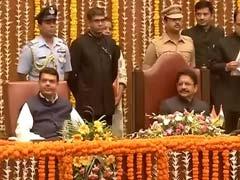 विपक्ष का आरोप : महाराष्ट्र कैबिनेट के पांच मंत्री दागदार, हटाने की मांग उठाई