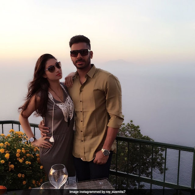 Manoj Tiwary Wife Sushmita Roy angry after fans Tag Her Husband as Flop cricketer