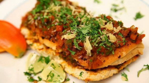 Easy Masala Pav Recipe and Where to Get The Best in Mumbai