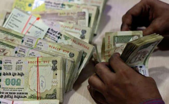 ESIC ने वेतन सीमा बढ़ाकर 21000 रुपये की, 50 लाख नये कर्मचारी जुड़ेंगे