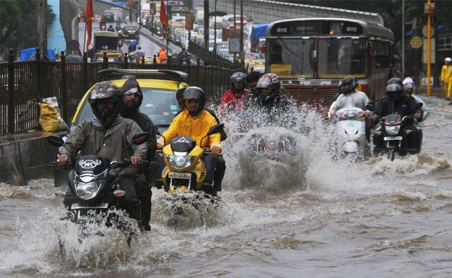 5 Tips For Riding Two Wheelers In Monsoon