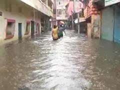 मध्य प्रदेश: आगर मालवा में बारिश बनी आफत, पानी भरने के बाद लोग छतों पर रहने को मजबूर