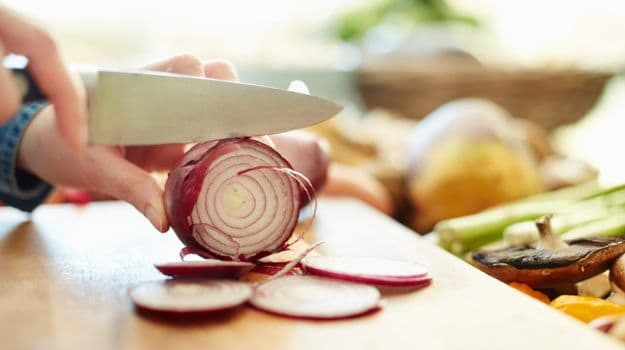 How to Cut Onions Without Tearing Up: 7 Expert Tips