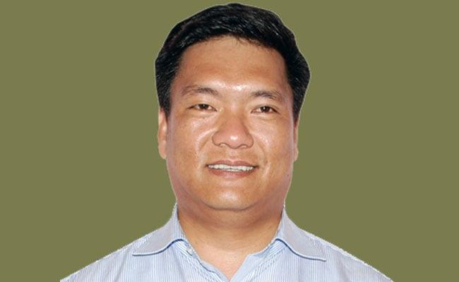 अरुणाचल प्रदेश में बीजेपी सरकार, पेमा खांडू समेत 33 विधायकों ने थामा BJP का दामन