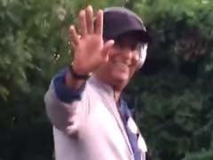 Amid Global <i>Kabali</i> Meltdown, Rajinikanth Spotted Strolling on US Street