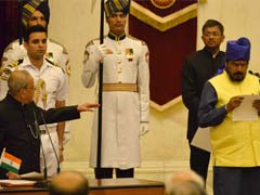 'Say Your Name,' President Pranab Mukherjee Nudged This Minister During Oath