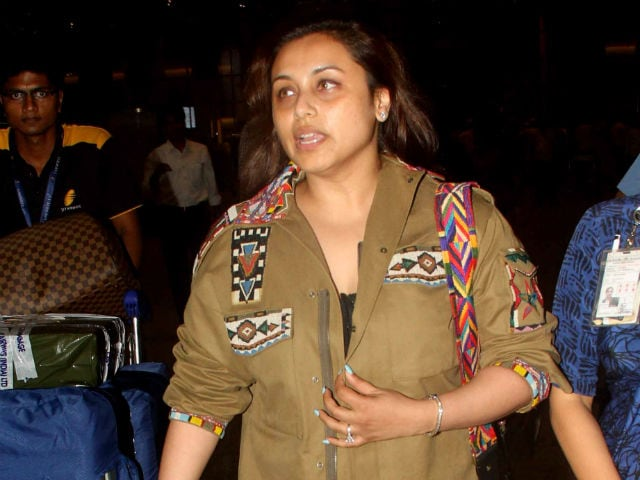 Rani Mukerji Spotted at Mumbai Airport. Everyone is Happy to See Her