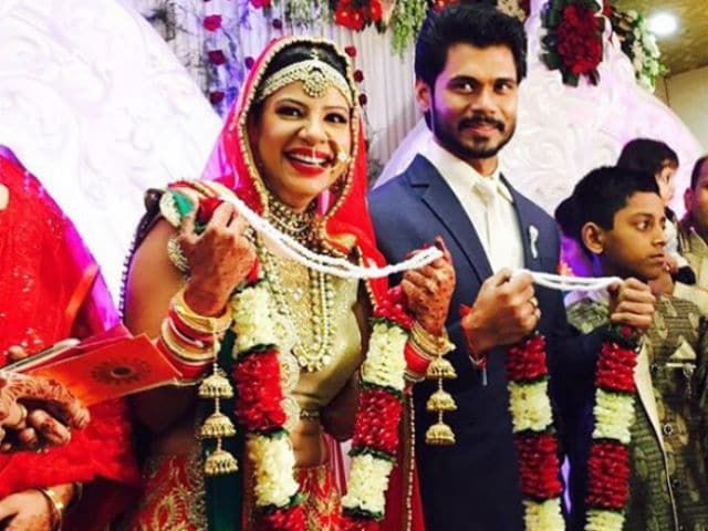 Beautiful Pictures From Sambhavna Seth And Avinash Dwivedi's Reception