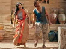 Chaani's Day Out: Finally Free of That Headdress in <i>Mohenjo Daro</i> Song