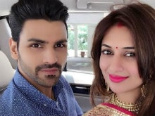 'Married And Happy': Divyanka Tripathi Shares First Selfie After Wedding