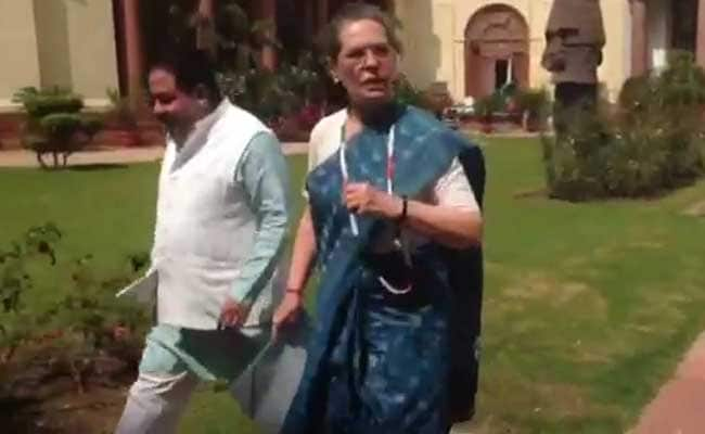 UP Elections 2017: After No Show, Sonia Gandhi's Open Letter To Amethi-Raebareli Voters