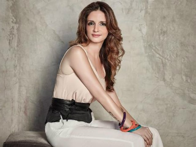 Hrithik's Ex-Wife Sussanne Khan Sued For 15 Cr by Real Estate Firm