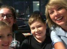 Taylor Swift Visits Children in Hospital