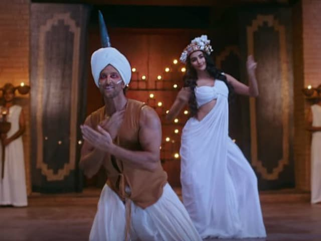 Hrithik's New Mohenjo Daro Song Looks Like It's Set in Ancient Egypt