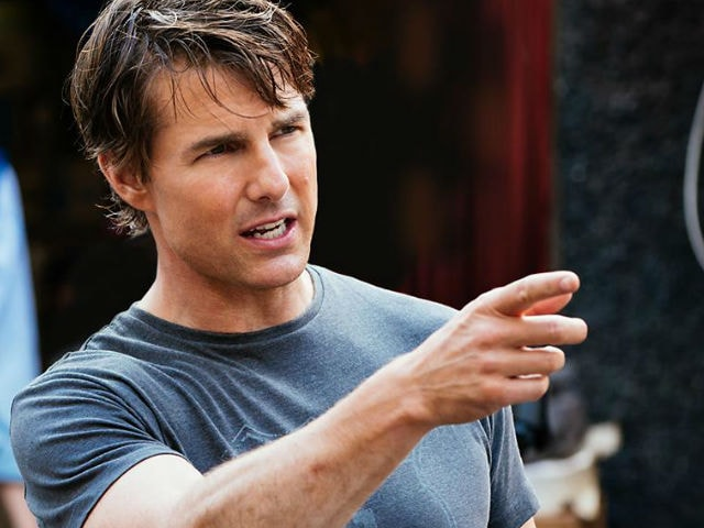 Weird Things Tom Cruise Does in Interviews, As Revealed by a Reporter